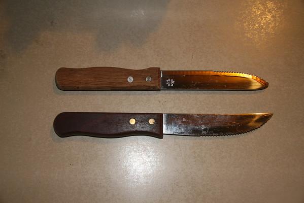 Assorted Steak Knives w/Plastic Bin - SOLD
