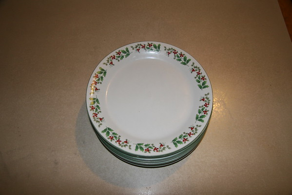 Gibson Christmas Dishes