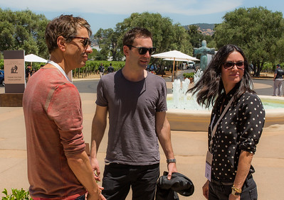 Courtney Cox and Johnny McDaid being greeted Agustin Hunneus  Photo by Jon McPherson for Napa Valley Vintners