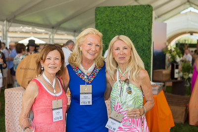 Guests at the Barrel Auction. Robert Mondavi Winery  Briana Marie Photography for Napa Valley Vintners