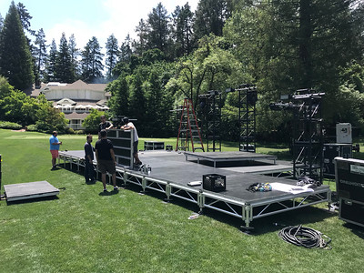 Crew setting up at Meadowood Napa Valley for Auction Napa Valley 2018.  Photo by Tony Albright for Napa Valley Vintners