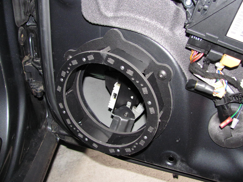 "Speaker adapter  from <a href=""http://www.car-speaker-adapters.com/items.php?id=SAK034""> Car-Speaker-Adapters.com</a>   installed"