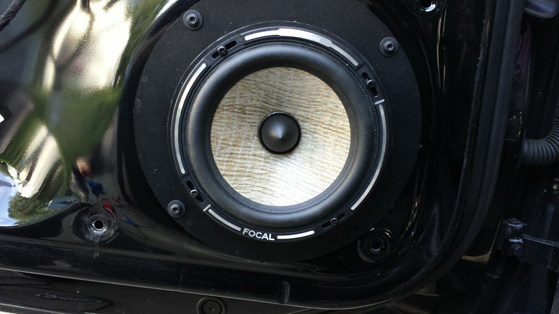 "Aftermarket speaker and speaker adapter from    <a href=""http://www.car-speaker-adapters.com/items.php?id=SAK108""> Car-Speaker-Adapters.com</a>   installed on door"