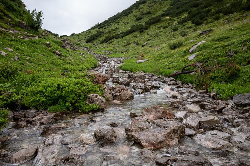 Auf dem Abstieg vom Formarinsee, Vorarlberg, Österreich
