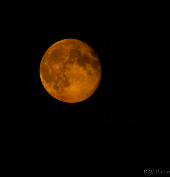Golden Supermoon thanks to the NW fires
