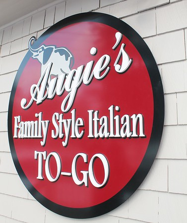 Augie's ToGo grand opening