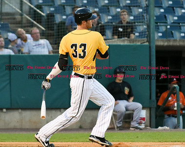 081516  Wesley Bunnell | Staff  New Britain's #33 Jon Griffin. New Britain Bees played host to the visiting Long Island Ducks on Monday Aug 15.