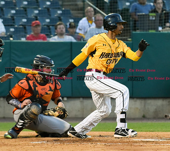081516  Wesley Bunnell | Staff  New Britain's #3 James Skelton. New Britain Bees played host to the visiting Long Island Ducks on Monday Aug 15.
