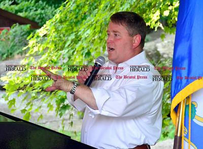 8/26/2016 Mike Orazzi | Staff Republican US Senate candidate Dan Carter during the 135th Crocodile Club Reunion Dinner held at Lake Compounce Friday afternoon.