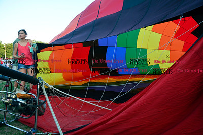 8/26/2016 Mike Orazzi | Staff The annual Plainville Balloon Festival in Norton Park Friday evening.