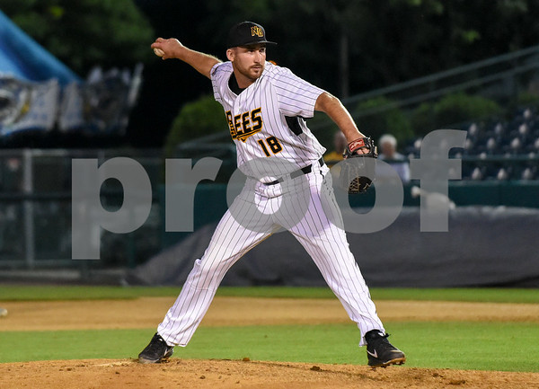 080917 Wesley Bunnell | Staff The New Britain Bees vs the Sugarland Skeeters on Wednesday evening. Kyle Simon (18).
