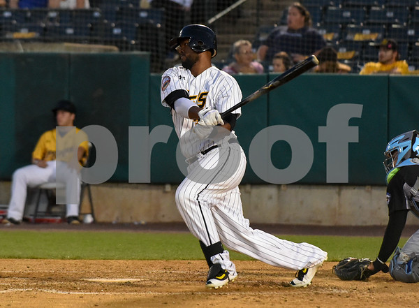 080917 Wesley Bunnell | Staff The New Britain Bees vs the Sugarland Skeeters on Wednesday evening. Jovan Rosa (35).