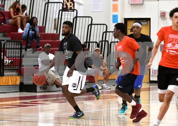 8/19/2017 Mike Orazzi | Staff Darius Watson during the Osgood Shootout at New Britain High School Saturday.