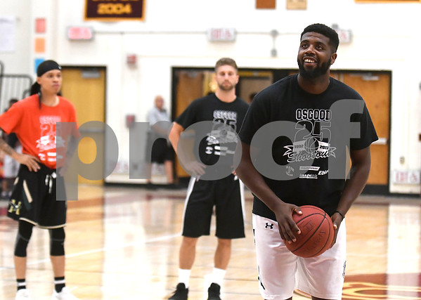 8/19/2017 Mike Orazzi | Staff Darius Watson on the line during the Osgood Shootout at New Britain High School Saturday.