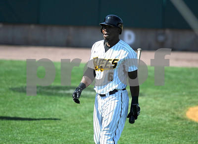8/31/2017 Mike Orazzi | Staff New Britain Bees' Jamar Walton (6) Wednesday morning.