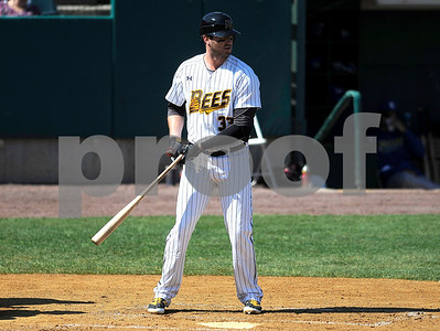 8/31/2017 Mike Orazzi | Staff New Britain Bees' Jon Griffin (33) Wednesday morning.