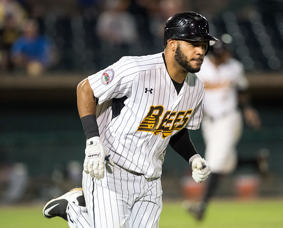 08/21/18 Wesley Bunnell | Staff The New Britain Bees vs the Road Warriors on Tuesday night at New Britain Stadium. Darren Ford (15).