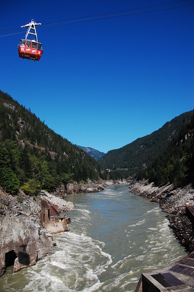Day 3<br /> <br /> Cable car descends over the Fraser River.