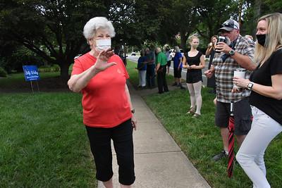 Betty Walley talke to the socially-distanced gathering. (Bill Giduz photo)
