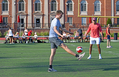 David Kristensen and Nelson Boachie-Yiadom display their other ball handling skills.