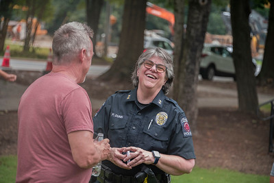 Bill Giduz photo of Police Chief Penny Dunn at National Night Out