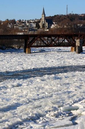 10.02.02 Ice Jam on Kennebec River