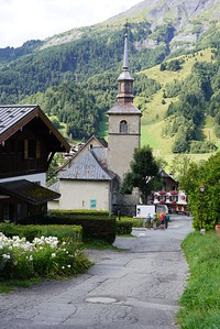 Stage 2, day 1 Miage to Les Contamines to Refugio Nant-Borrant