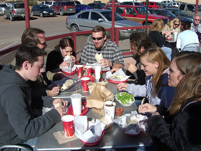 Lunching in the sun at Chipolte's. At the head there is Kyle - Lindsay's spouse.
