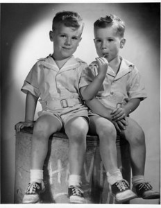 4th birthday - 1947.  I'm sure Dick is on the left. I think Bill has three hands, as Dick would never share!  :)