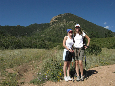 Nearby UB's, Blodgett Peak (9423') awaits our assault. ..  http://www.summitpost.org/mountain/rock/153285/Blodgett-Peak.html