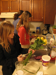Late Saturday afternoon at the Sawyers up in Denver - Eric, Jessica & Kelly lending a hand in the kitchen.