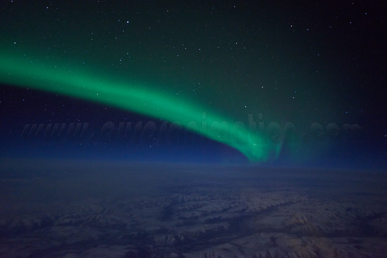 Bright auroral display over Alaska early on March 27