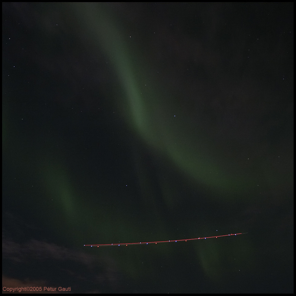 Northern lights with plane (#2725)