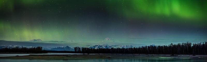 Alaska Range Aurora (Eclipse)