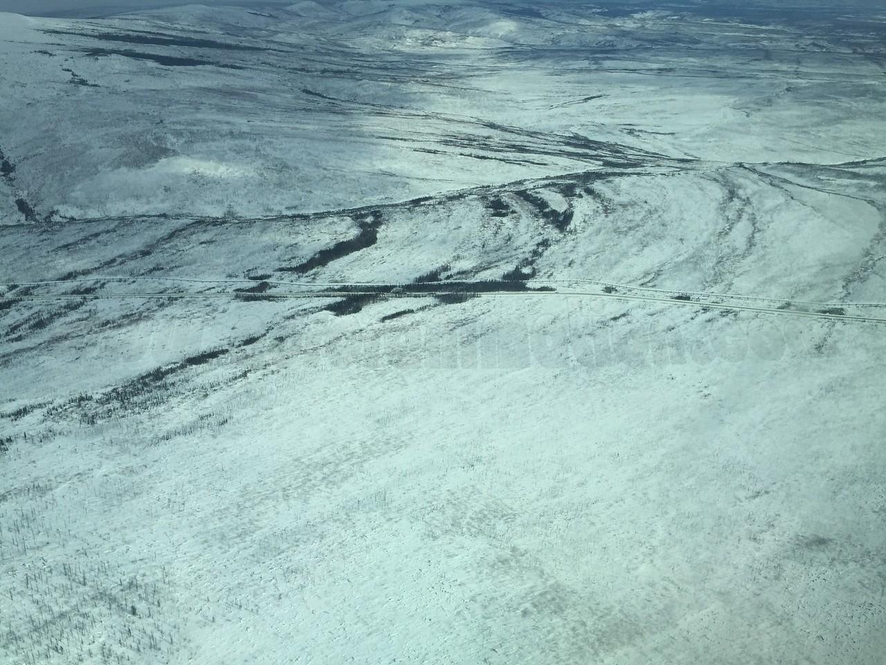 Aerial view of Dalton Hwy and the Alaskan Pipeline