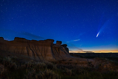 Comet over Hoodoos at Dinosaur Park in Twilight (July 14, 2020)