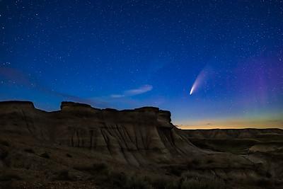Comet over Hoodoos at Dinosaur Park (July 14, 2020)