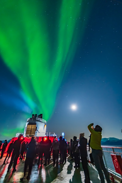 Observing the Northern Lights from ms Trollfjord (Oct 16, 2019) v2