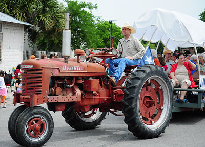 Dfest Parade 051510 054