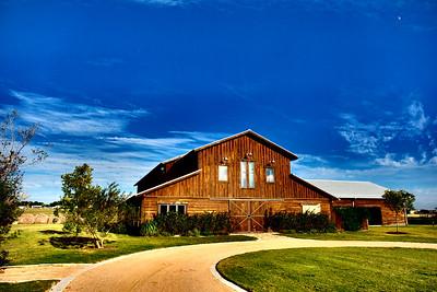 Lone Oak Barn 100916-07