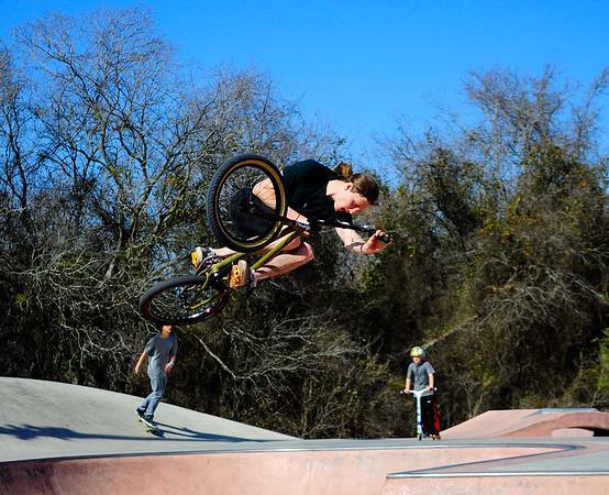 Going Big at NE Metro Skate Park - Pflugerville, Texas