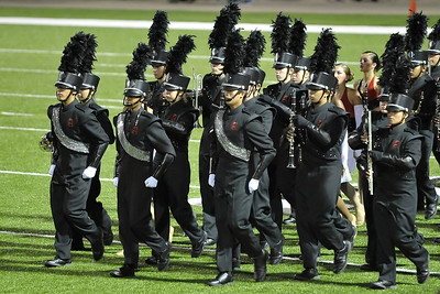 6x4 #1593 (drum majors march in)