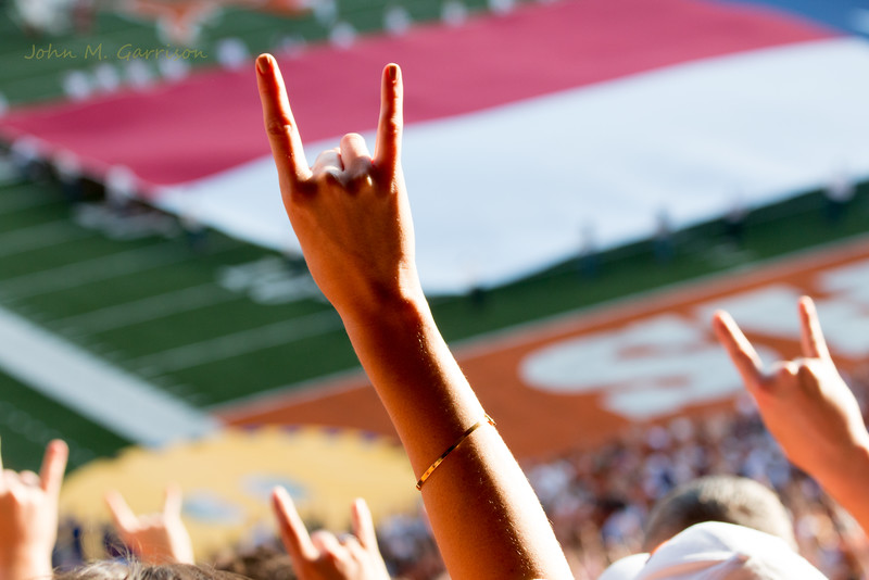 Get your Horns Up!