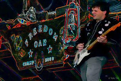 Bad ass Trent Turner performing magic at Dave's Rib-O-Rama. ...WHEW Baby! http://www.myspace.com/trentturnerandthemoontowers