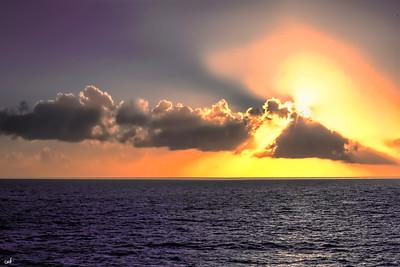 A Daily Horizon with another dissapearing Sun. Sandy Beach Cruise w/Delbert cClinton. 2o15