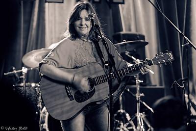 Leeann Athertn, Vocals