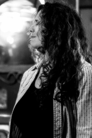 2/17/14 Outlaw Open-Mic  Elena Antinelli