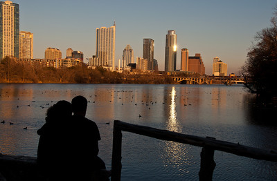 austin-skyline-couple