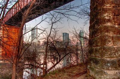 austin-bridge-pilings