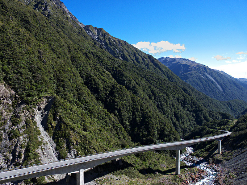 Otira Viaduct (why-a-no-chicken?), near Otira.  This viaduct was completed in 1999 because the surface road had been overly hazardous.  We headed straight for the west coast from the airport near Christchurch, spending one night on the eastern side of the mountains before crossing this area to the coast.